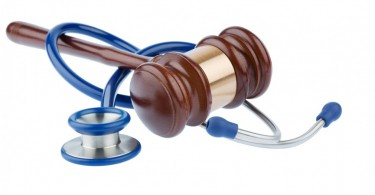 bigstock-gavel-and-stethoscope-symboli-81326963-865x576