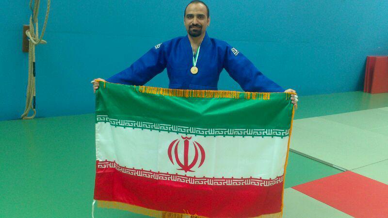 دکتر حسین نیک فرجاد، اولین برنده مدال طلای تیم پزشکان در مسابقات medigames