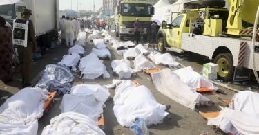 ATTENTION EDITORS - VISUAL COVERAGE OF SCENES OF DEATHBodies of Muslim pilgrims are seen after a stampede at Mina, outside the holy Muslim city of Mecca, September 24, 2015. At least 717 pilgrims from around the world were killed on Thursday in a crush outside the Muslim holy city of Mecca, Saudi authorities said, in the worst disaster to strike the annual haj pilgrimage for 25 years. Picture taken September 24, 2015. REUTERS/Stringer TEMPLATE OUT - RTX1SD3V
